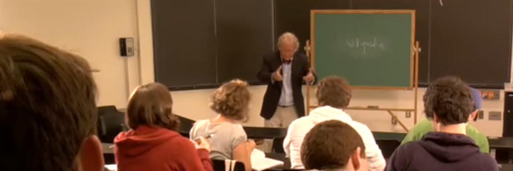 Profesor cu memoria Wikipedia în sala de clasă